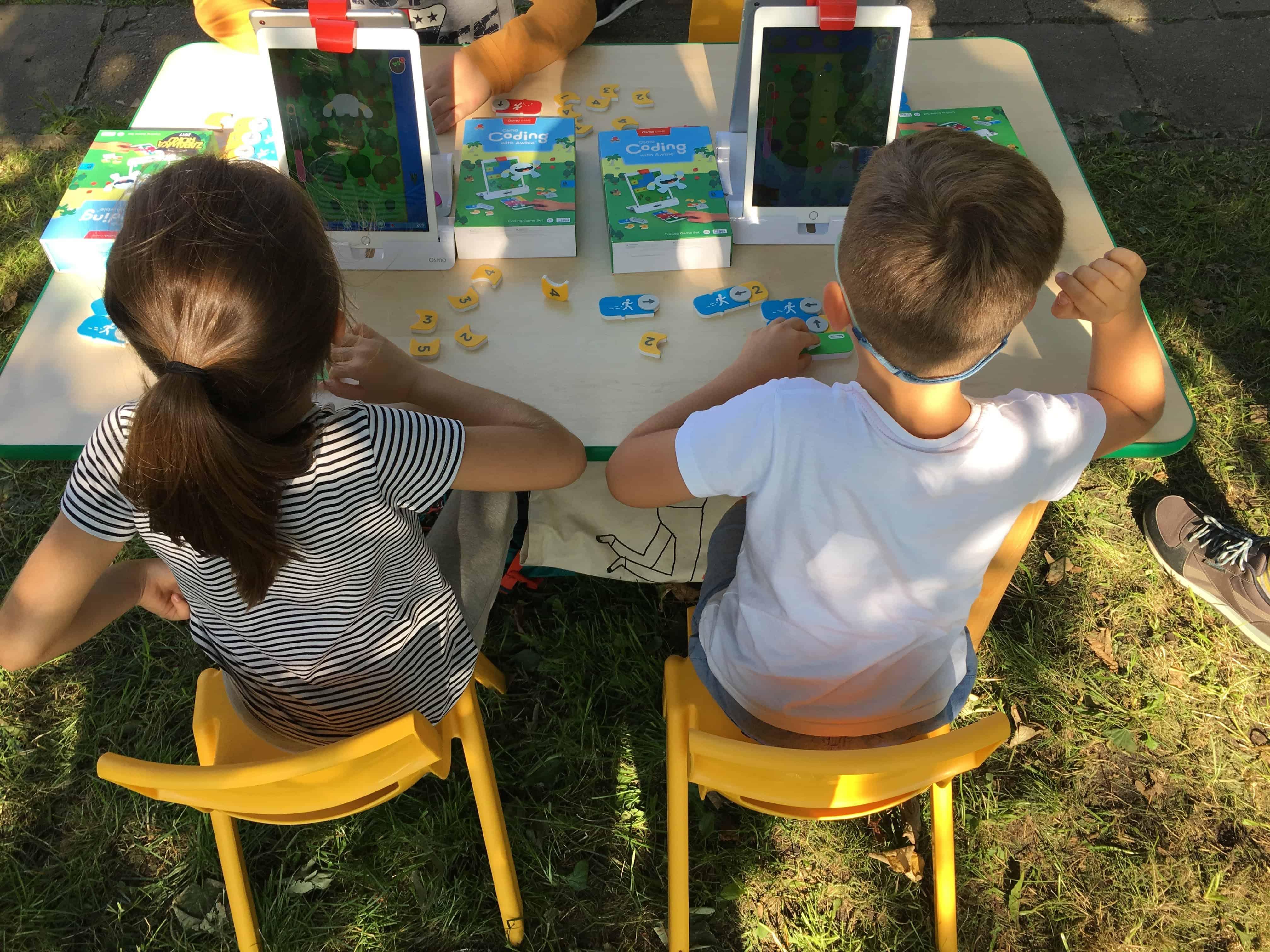 Flob a dob - darmowe zajęcia programowania dla dzieci podczas Pożegnania lata na Bielanach.